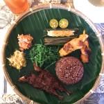 街中で楽しめるボルネオ伝統料理と地酒!